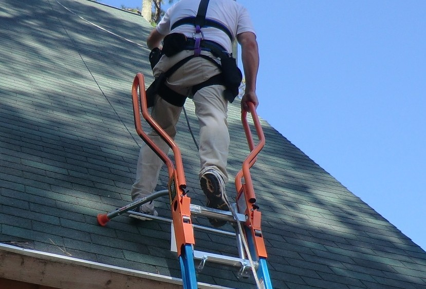 Toronto Roofing | Working At Heights